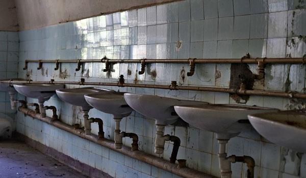 投稿画像 お風呂掃除のコツについて タイルの境目にできるカビ筋 - お風呂掃除のコツについて