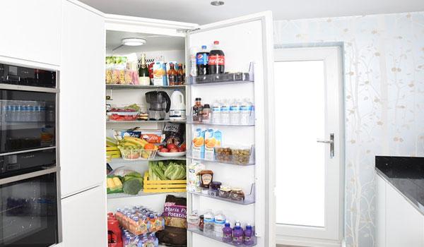 投稿画像 冷蔵庫の清掃方法について 冷蔵庫の掃除にもあの万能水を使おう - 冷蔵庫の清掃方法について